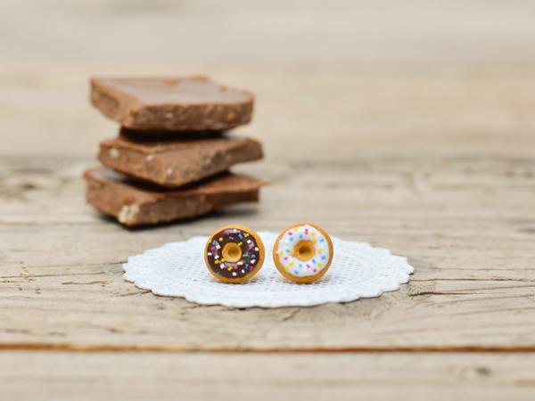 Mali uhani Donuts z mrvicami