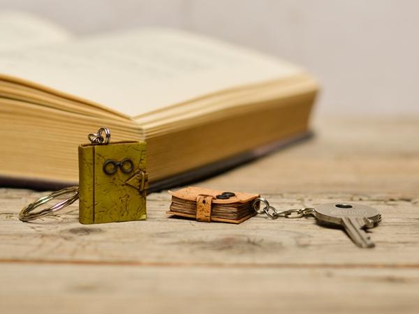 Obesek za ključe - Knjiga Fantazija