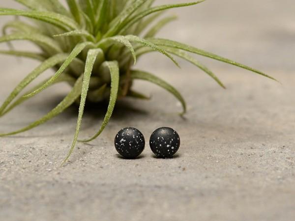 Mali uhani Kamenčki